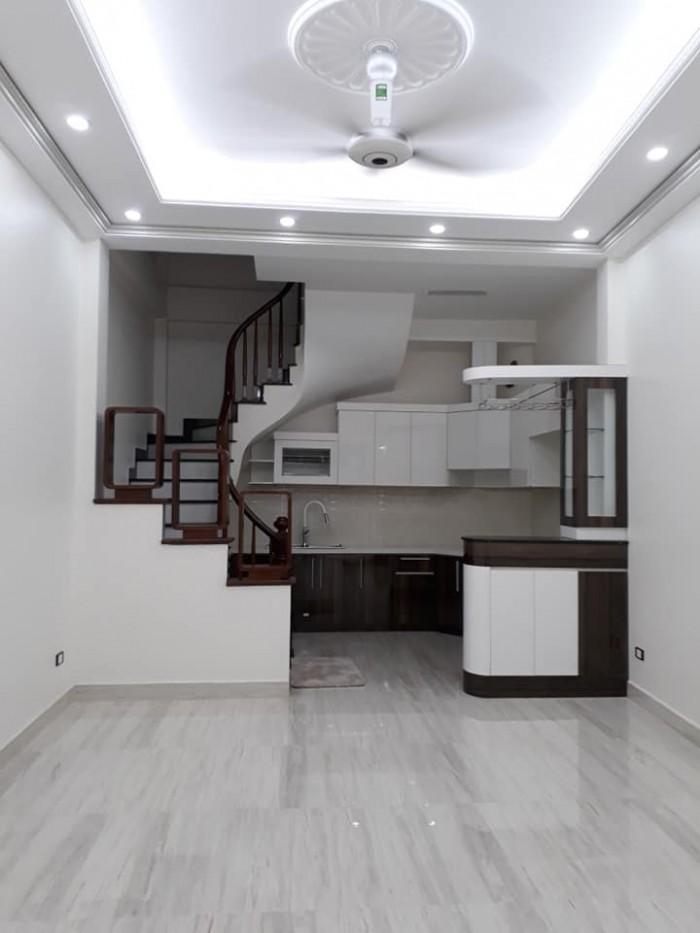 Bán nhà đẹp phố Giáp Nhất DT 30m 5 Tầng
