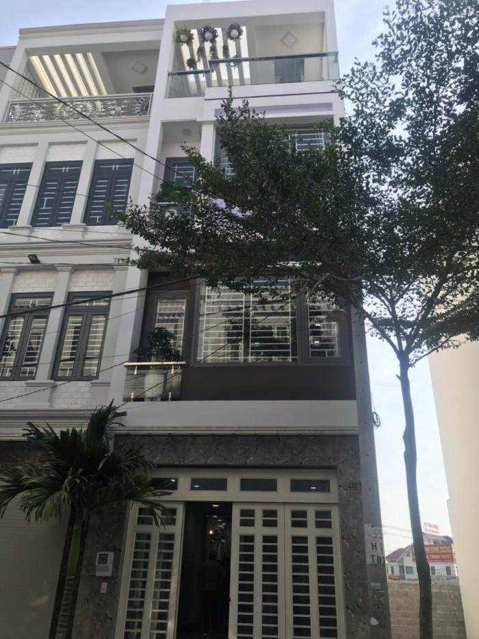 Bán gấp nhà phố đẹp 1 trệt 3 lâu full nội thất Nguyễn Duy Trinh p.Phú Hữu Q.9