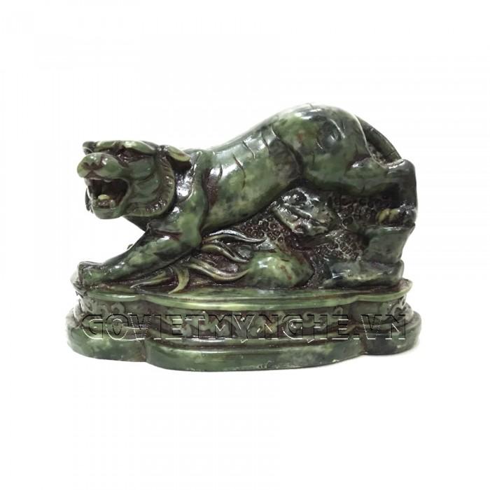 Tượng Đá Trang Trí Hổ Phong Thủy - Màu Xanh Lục Bích  - Dài 11 cm x Rộng 6cm x Cao 7.5cm . Giá : 150.000₫1