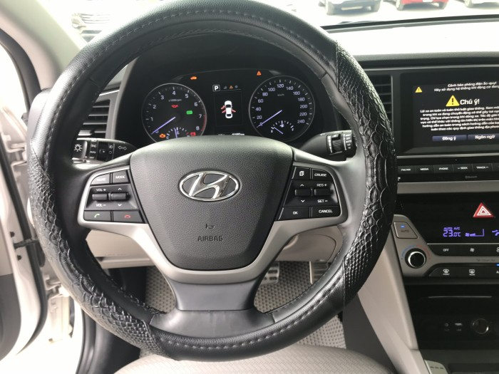 Bán Hyundai Elantra 2.0AT 2016, giá cả thương lượng , có hỗ trợ trả góp 8
