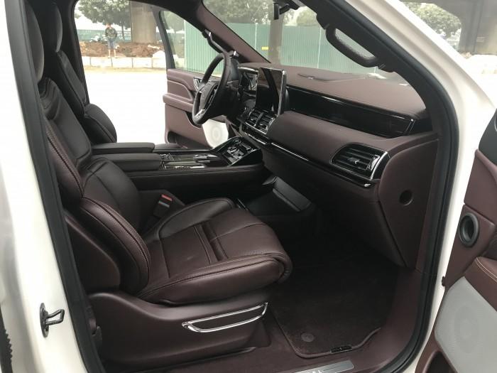 Bán Lincoln Lavigator L Black Laber 2019,nhập mỹ màu trắng ,nội thất nâu,xe giao ngay .