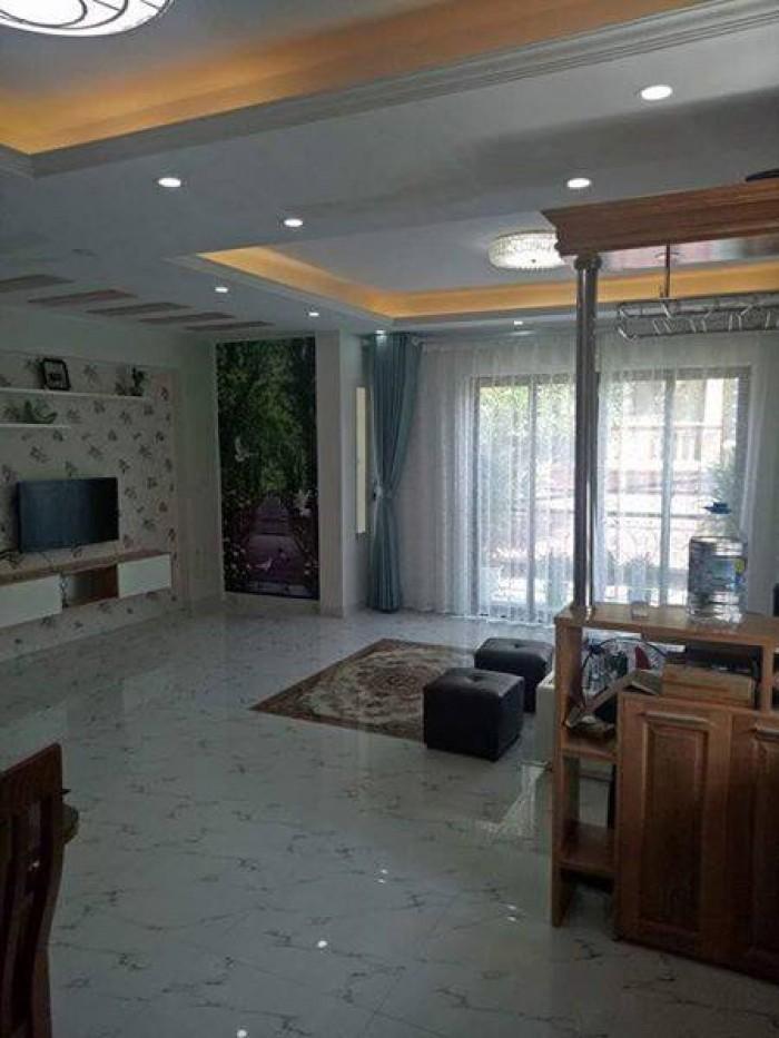 Nhà vị trí đẹp nằm rất gần mặt phố Tôm Thất Tùng, ngõ rộng, thông thoáng, kinh doanh tốt