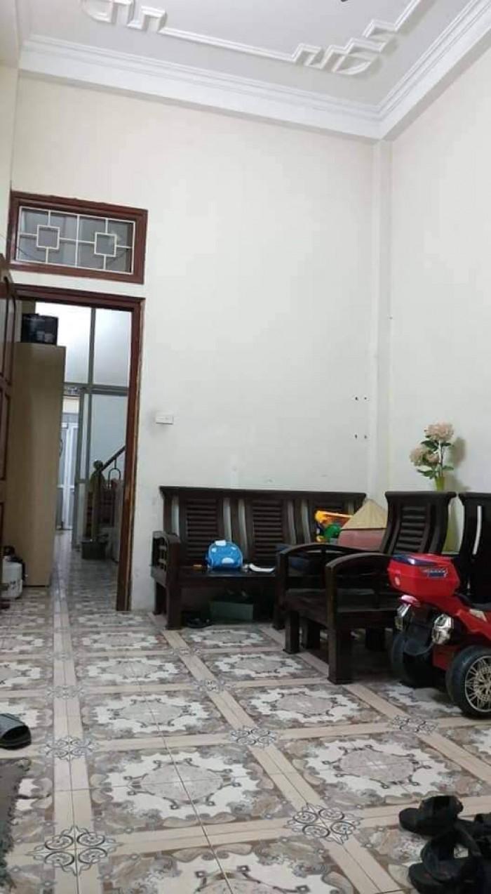 Bán gấp nhà phố Chùa Bộc, DT 45m x 5 tầng, ô tô