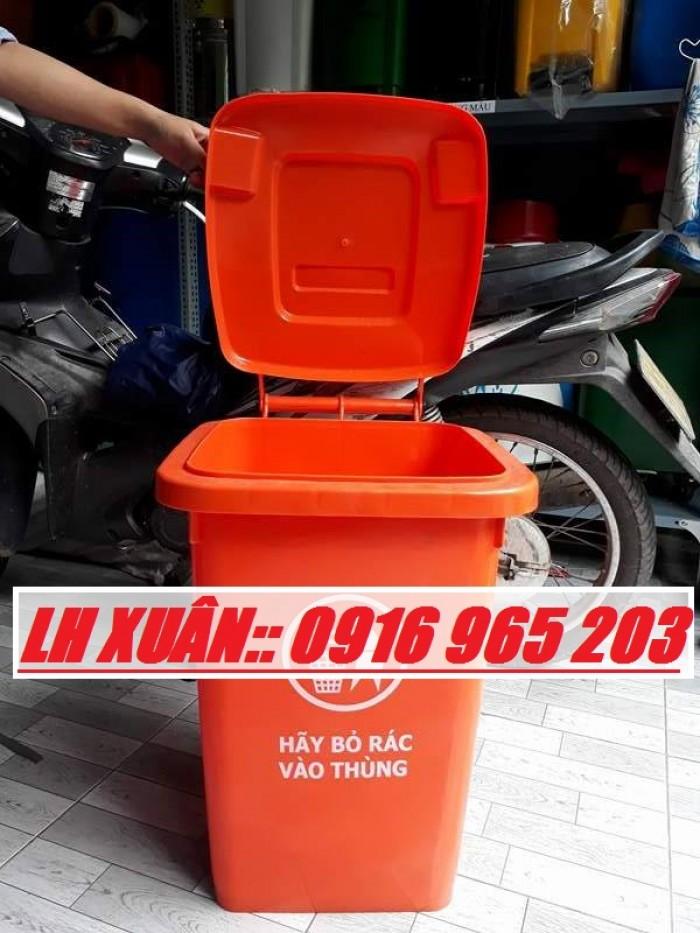thùng rác 60 lít màu cam2