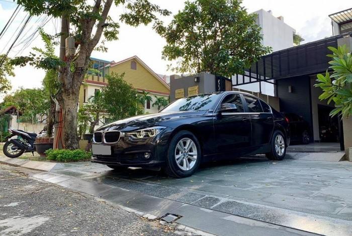 Cần Bán BMW 320I màu đen 2017 đk 2018 xe rất mới