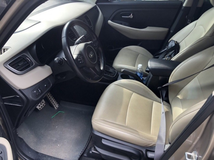 Cần bán xe Kia Rondo 2.0 GAT 2017 , có hỗ trợ trả góp, fix giá mạnh cho AE thiện chí 4