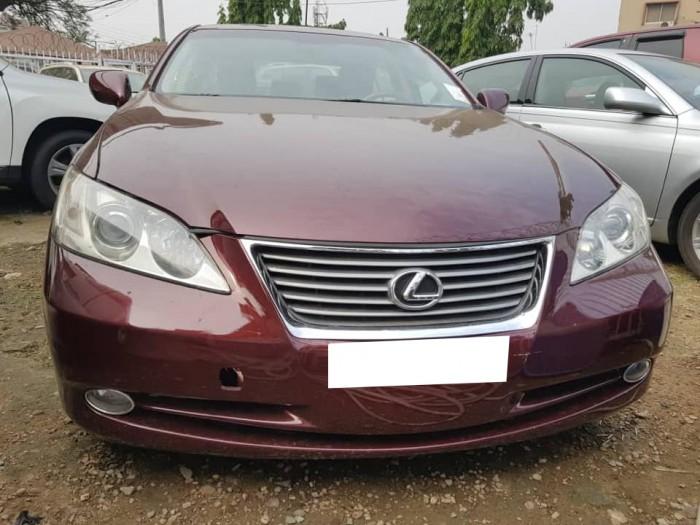 Dư xe cần bán xe Lexus Es350 đời 2009 màu đỏ mận
