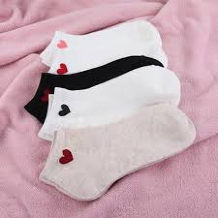 Combo 5 đôi tất nữ cổ ngắn hình tim phong cách Hàn Quốc3