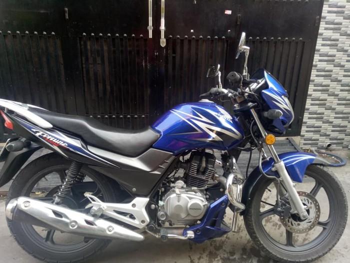 Cần bán xe Moto Honda fotune 125c màu xanh -trắng bstp mới 95% nguyên zin