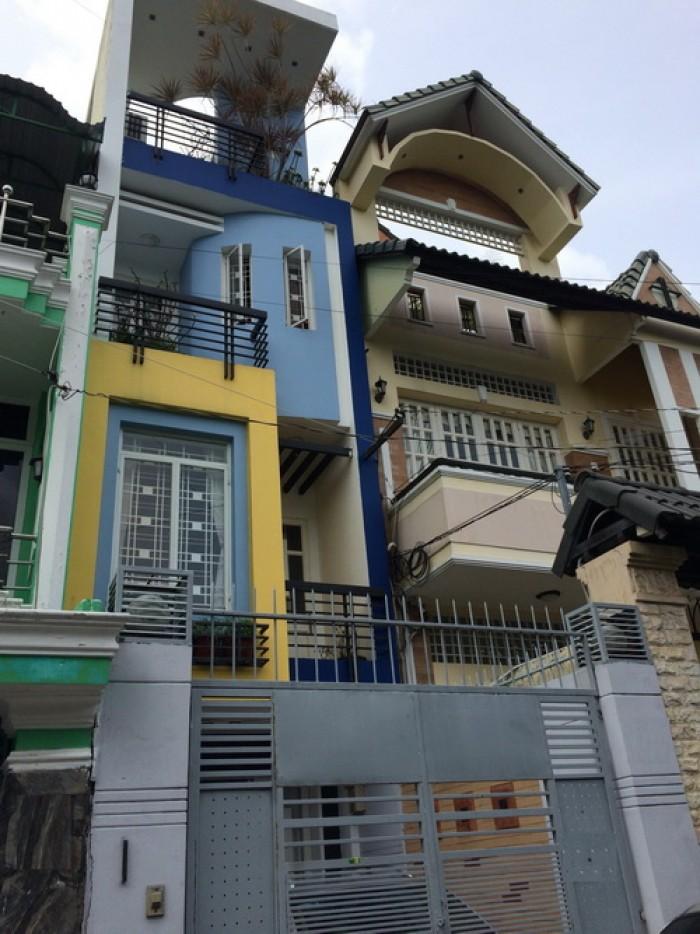 Bán gấp nhà phố 3 lầu mặt tiền đường số rộng 14m phường Tân Quy Quận 7 HCM