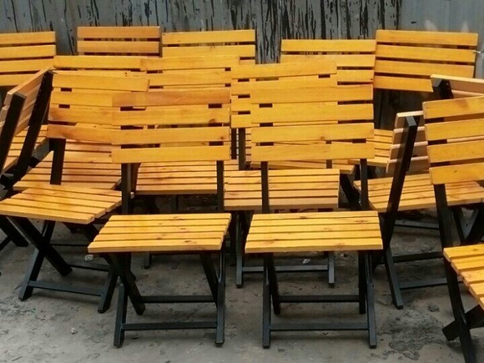 Bàn ghế gổ cafe  giá rẻ tại xưởng sản xuất HGH 5560
