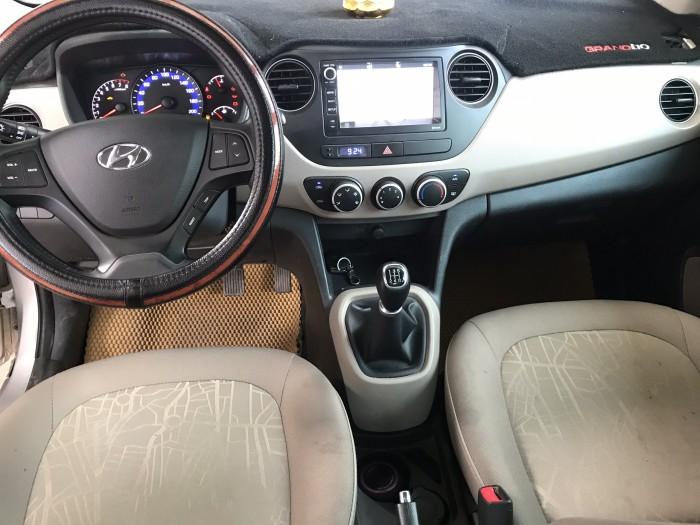 Bán Hyundai Grand i10 sedan 1.2MT màu bạc số sàn bản đủ sản xuất 2018