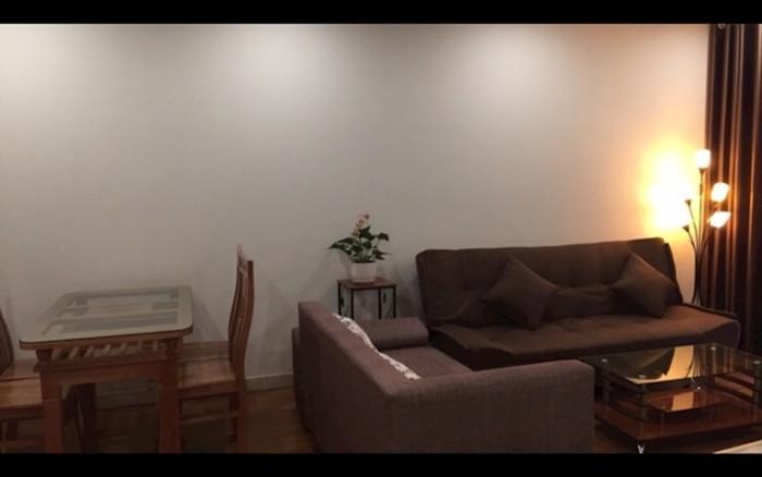 Cho thuê căn hộ chung cư 2 phòng ngủ sáng, nội thất cơ bản, 10tr/tháng
