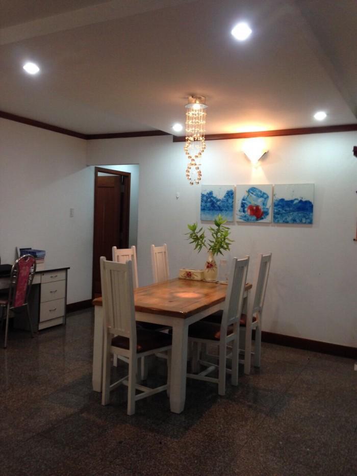Cần thuê gấp căn hộ Vạn Đô Q4  , DT 80m2 , 2phòng ngủ,trang bị nội thất đầy đủ, nhà rộng thoáng mát, giá bán 13tr/th