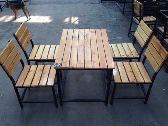 bàn ghế gổ quán nhậu giá rẻ tại xưởng sản xuất HGH 5760