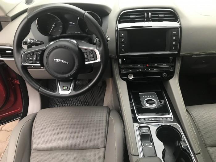 Cực Hot . Jaguar F Pace Sport sản xuất 2016 đăng kí 2018 ,lăn bánh 1,4 vạn km như mới tinh.