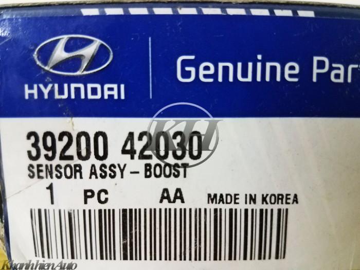 Cảm biến khí nạp Hyundai Grand Starex- 3920042030