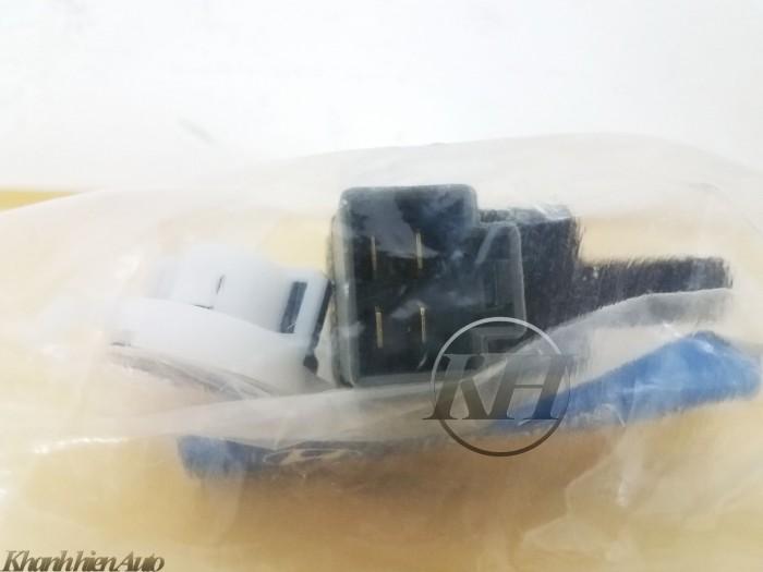 Công tắc chân phanh Hyundai Grand i10 - 938103S000 2