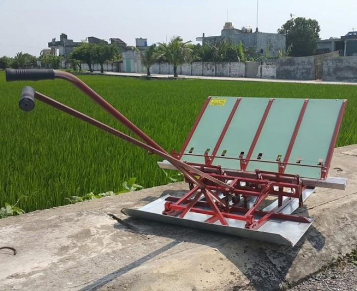 Máy cấy lúa mạ sân 4 hàng kéo tay thủ công mua ở đâu tại Nam Định giá rẻ nhất0