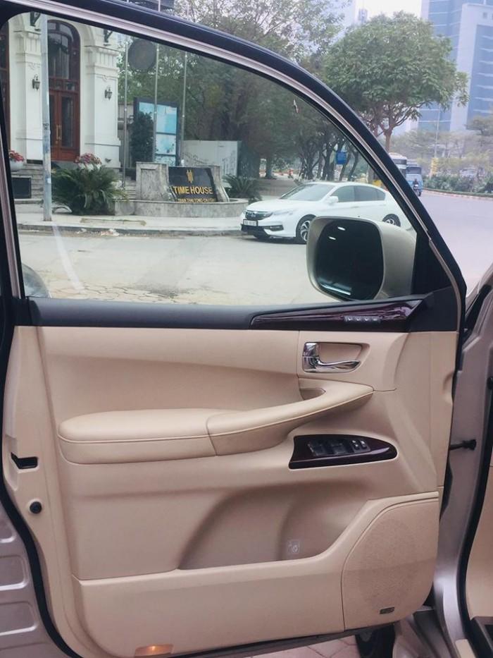 Lexus LX570 màu vàng cát, nội thất kem. sản xuất và đăng ký 2012, tư nhân chính chủ.