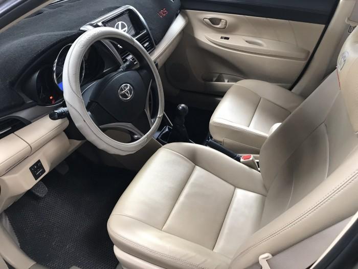 Bán Toyota VIOS E 1.5MT màu vàng cát số sàn sản xuất 2017 biển Sài Gòn mẫu mới