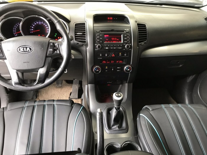 Bán Kia Sorento 2.4MT màu bạc số sàn máy xăng nhập Hàn Quốc 2010 7 chỗ 2