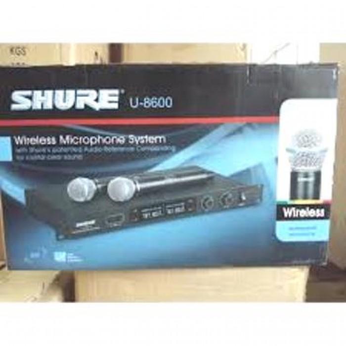 Micro không dây Shure U8600 Khả năng bắt sóng xa, phục vụ đa dụng cho các mục đích Karaoke trong nhà hoặc ngoài trời.0