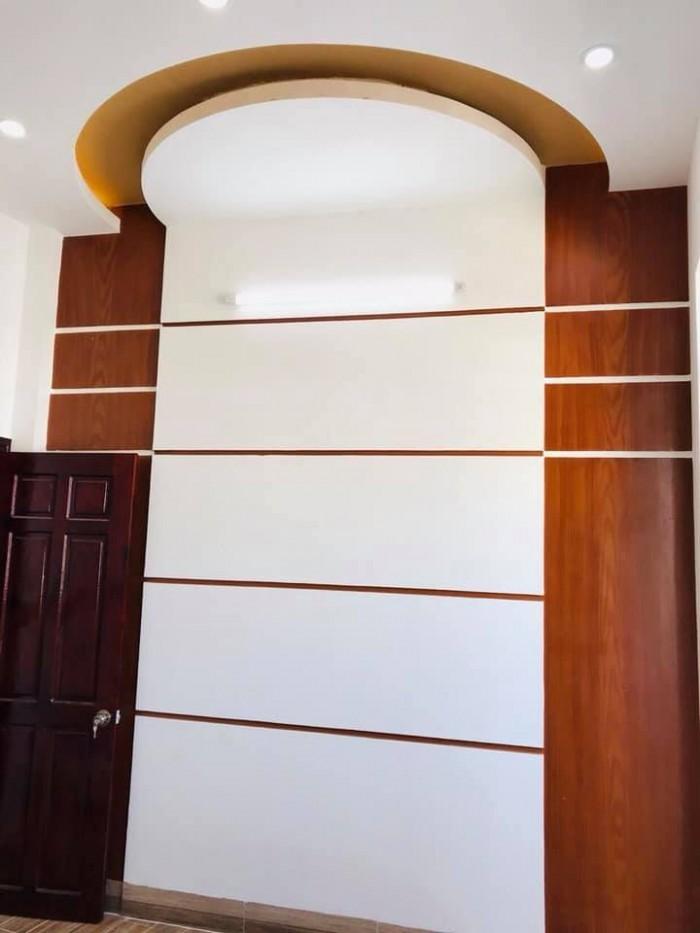 Nhà Mới Xây Tặng Nội Thất Trục Chính Hẻm 311 Nguyễn Văn Cừ - 4,2 x 10 - Giá 2 Tỷ 100 Triệu