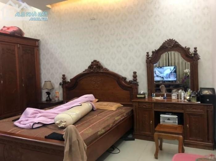 Nhà đẹp Nguyễn Đình Chiểu,Q3, sát mặt tiền, 42m2