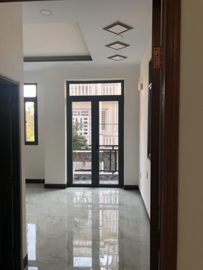 Bán nhà đường Đào Tông Nguyên, Nhà Bè, Tp.HCM. DT 6m x 13.5m. 3 lầu đúc, 4PN,