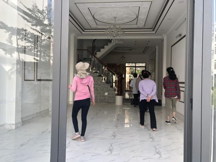 Bán nhà phố cao cấp tại khu Caffe Omely đường Đào Tông Nguyên, Phú Xuân, Nhà Bè, Tp Hồ Chí Minh