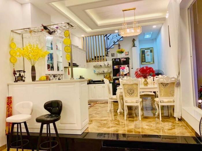 Bán nhà đẹp 4 tầng đường 8m khu Vườn Điều đường số 10 P. Tân Quy Quận 7