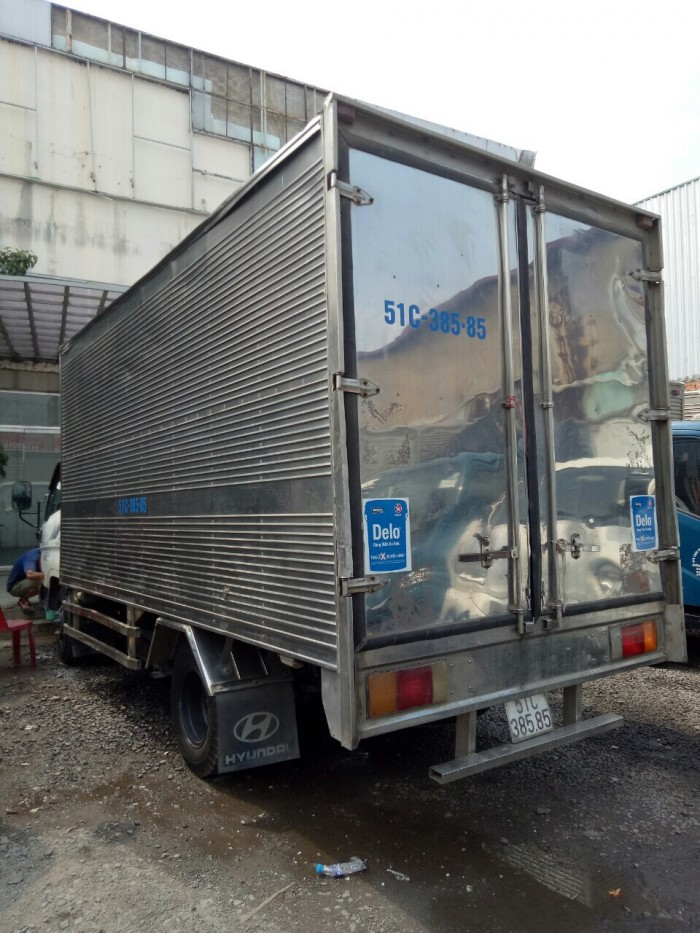 HD65 hạ tải cũ dưới 5 tấn chạy tp sx 2014 thùng kín có chiều cao 4