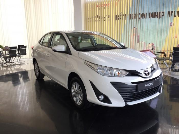 Toyota Vios 1.5E CVT - Tặng: DVD, Camera Lùi, Bọc Ghế + 40 Triệu