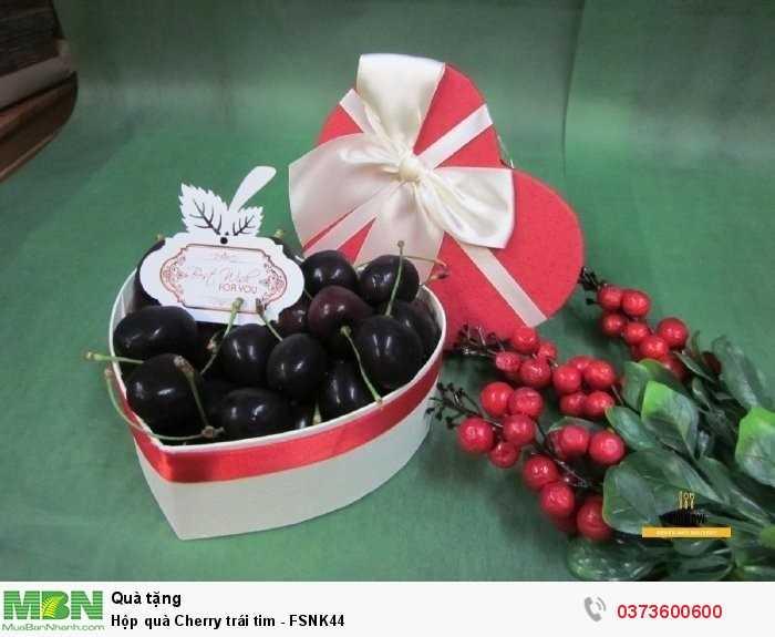 Hộp quà tặng người yêu - hộp trái cây Cherry hình trái tim