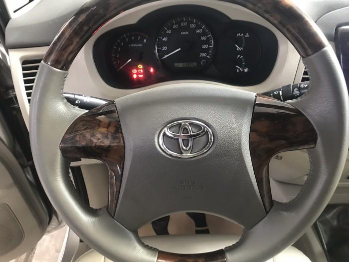 Bán Toyota INNOVA 2.0E màu bạc số sàn sản xuất 2014 gốc Sài Gòn đi đúng 63000km