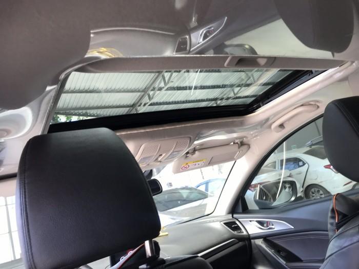 Bán Mazda 3 Facelift 1.5AT màu trắng camay số tự động sản xuất 2017 gốc Sài Gòn