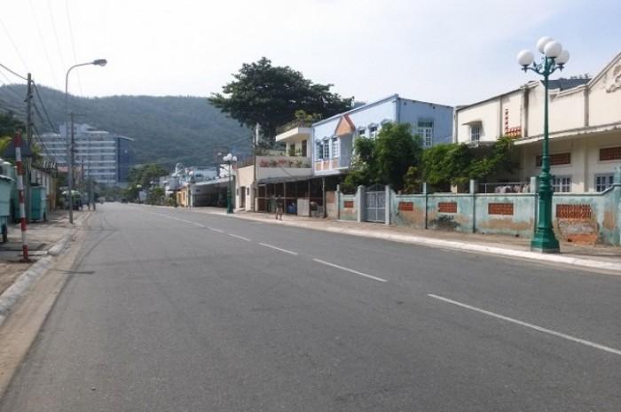 Cần bán gấp lô đất xây biệt thự nghỉ dưỡng ven biển ngay Resort Lan Rừng.