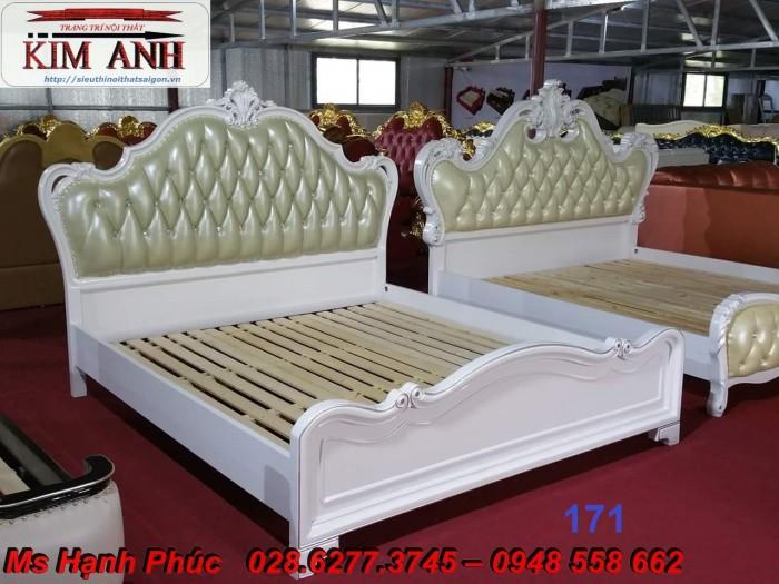 giường ngủ tân cổ điển giá rẻ hà nội13