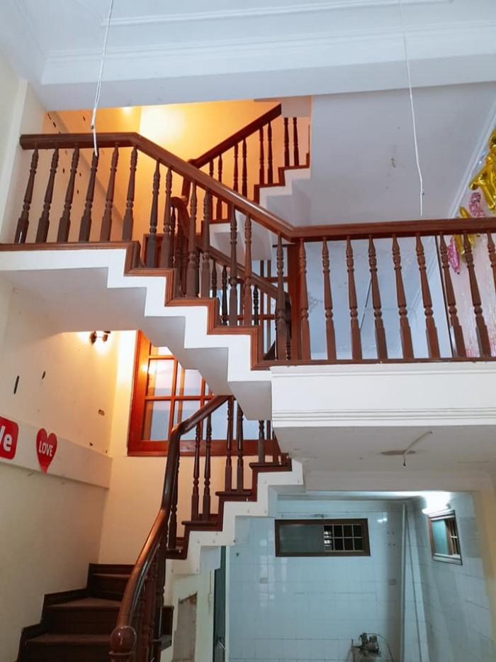 Chính chủ bán gấp nhà Thái Hà, có vỉa hè,ô tô đỗ cửa,KD 38m*5 tầng MT 3,8m