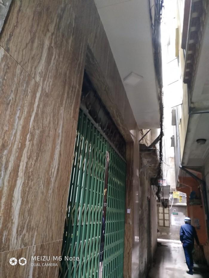 Bán nhà đẹp phố Hào Nam 40m2 gần phố, ô tô cách nhà 15m