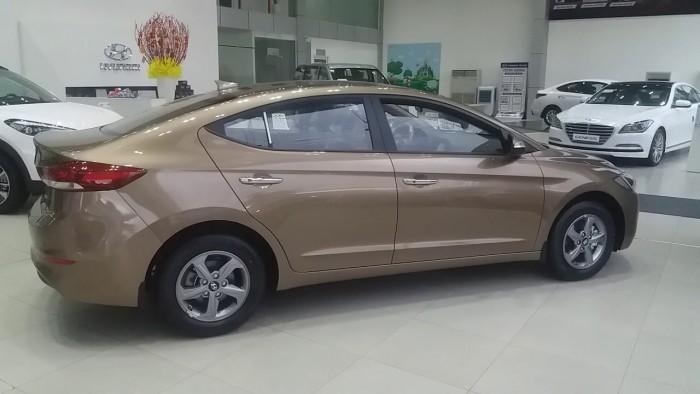 Hyundai Elantra MT đầy đủ các màu, hỗ trợ trả góp tối ưu, quà tặng hấp dẫn 5