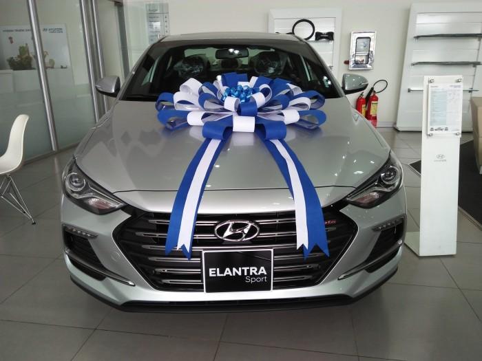 Hyundai Elantra chỉ 2 ngày KM giá GỐC