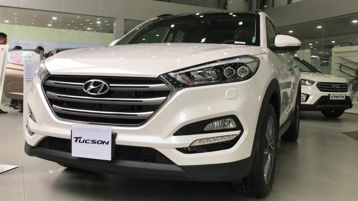 Hyundai Tucson 2.0L, đầy đủ các màu, hỗ trợ trả góp tối ưu, quà tặng hấp dẫn 3