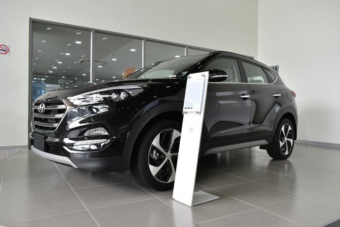 Hyundai Tucson 2.0L, đầy đủ các màu, hỗ trợ trả góp tối ưu, quà tặng hấp dẫn 2