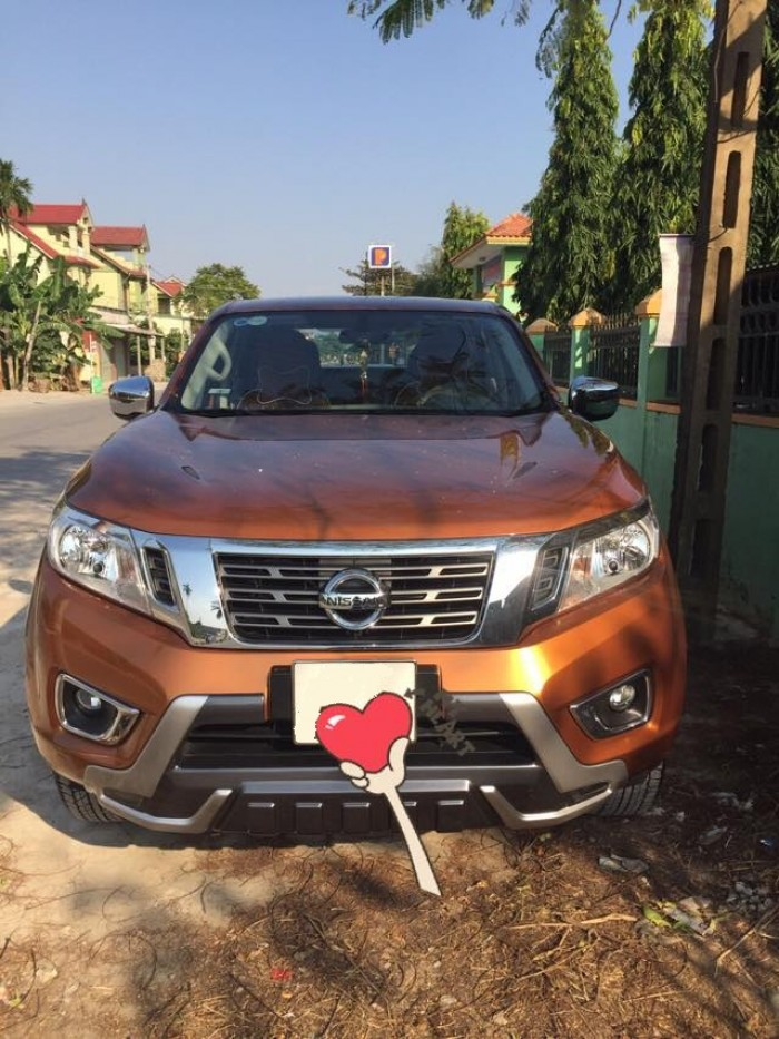 Gia đình cần bán xe Navara 2017, số tự động, màu cam