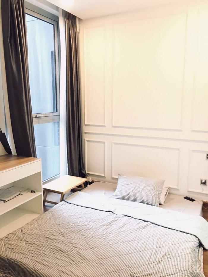 Bán nhanh căn Park 6 2pn full nội thất đẹp, Vinhome Central Park