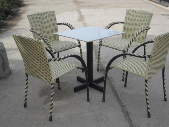 Bàn ghế cafe mây nhựa giá rẻ tại xưởng sản xuất HGH 6810