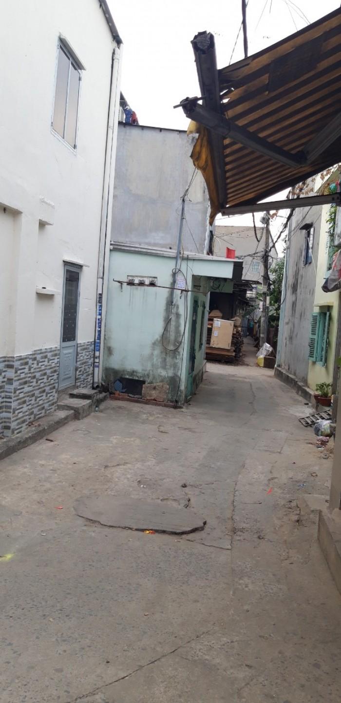 bán nhà gác suốt 4x8m  đường Trần Văn Danh gần chợ Đông Thạnh, Hóc Môn