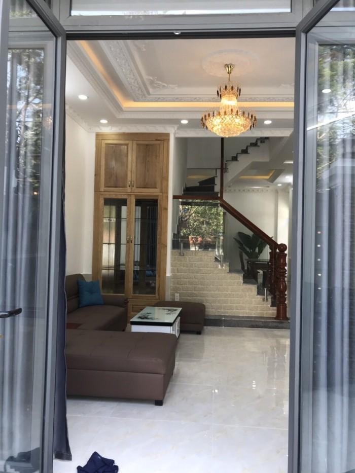 Cần bán căn góc hai mặt tiền hẻm 2266 đường Huỳnh Tấn Phát, Nhà Bè. DT 5.9 x 14m, 3 lầu, hẻm xe hơi